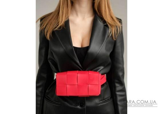 Женская сумка клатч на пояс «Энди» плетеная красная WeLassie